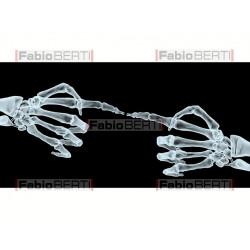 mani X-ray che si indicano